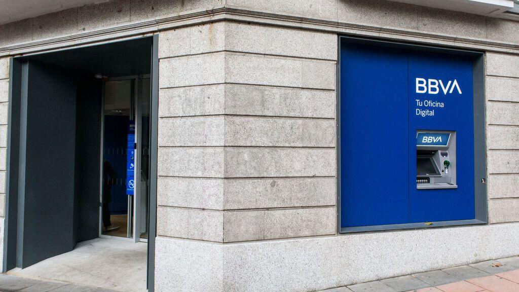 BBVA cerrará 108 oficinas en octubre y otras 110 en noviembre