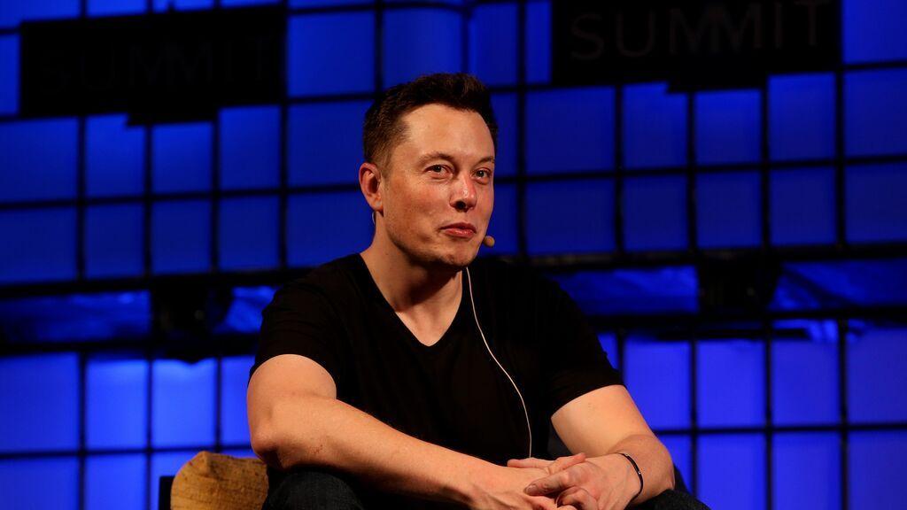 Elon Musk y las 4 cualidades en las que se fija para contratar a un nuevo empleado