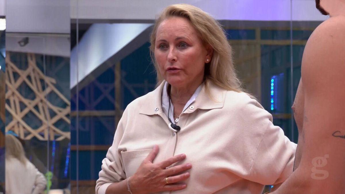 Lucía Pariente comienza a resquebrajar el grupo mayoritario enfrentándose a Emmy Russ