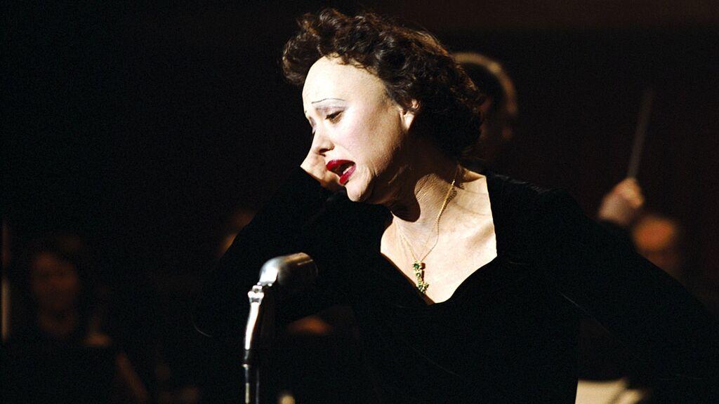 Interpretando a Edith Piaf