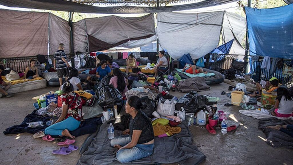 México intercepta tres camiones con cientos de migrantes centroamericanos