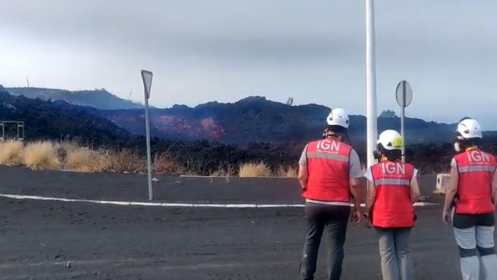 La colada del volcán de La Palma, vista de cerca