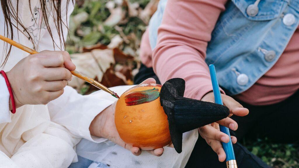 Manualidades de Halloween para pasar tiempo junto a tus hijos