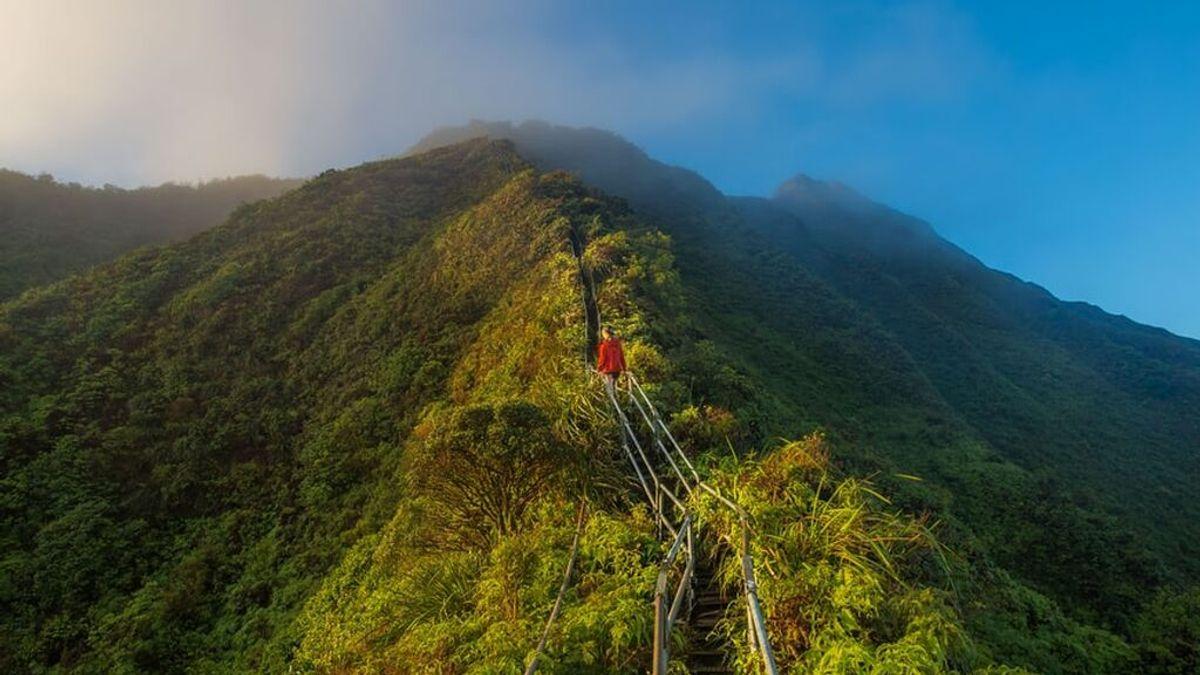 Adiós a la icónica Escalera al Cielo de Hawái, en la cresta de las montañas de Haiku