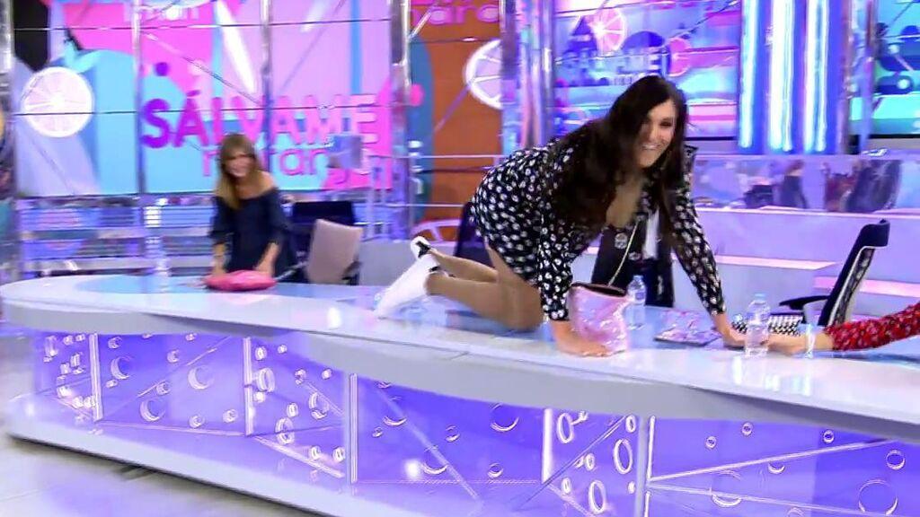 La doble de Anabel Pantoja arrasa en 'Sálvame': Tik Tok en directo, baile sobre la mesa y 'de los pelos' con Laura Fa
