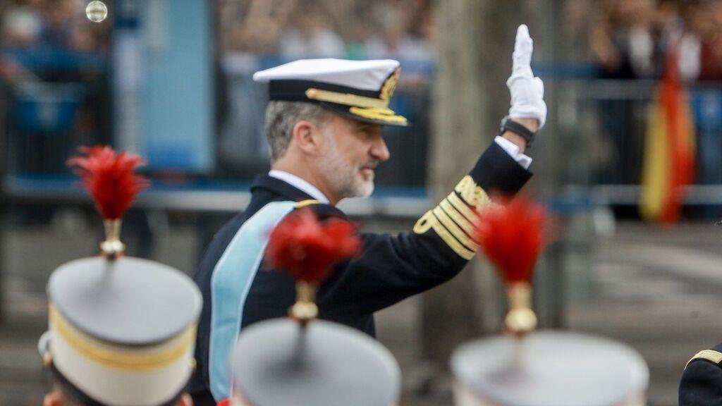 Los Reyes presiden este martes el desfile del 12-O, en el que participan 2.656 militares, 68 aeronaves y 115 vehículos