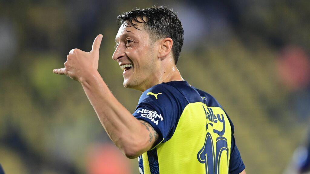 El exmadridista Özil lanza un negocio con el que pretende ser multimillonario: ya tiene su propia criptomoneda