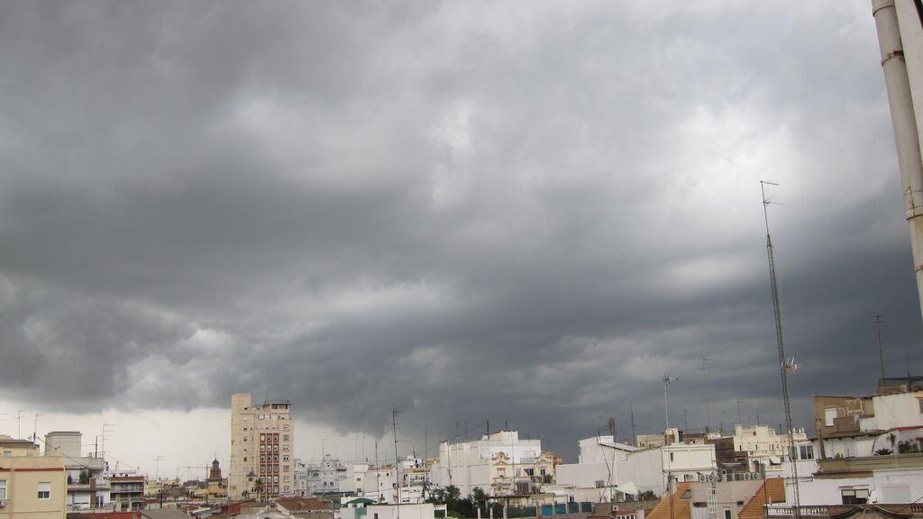 Cambio brusco del tiempo con chubascos y tormentas en la Comunidad Valenciana