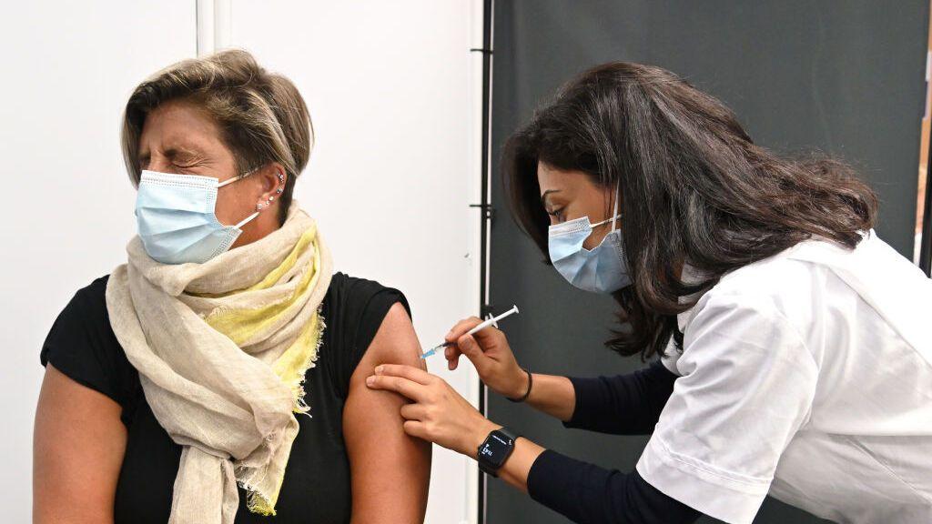 Uno de cada seis pacientes graves de covid en la sanidad pública británica son embarazadas no vacunadas