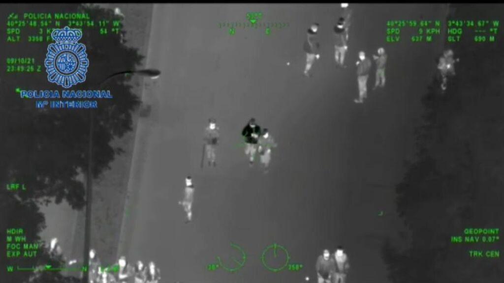 El macrobotellón de Madrid visto por el helicóptero de la Policía Nacional