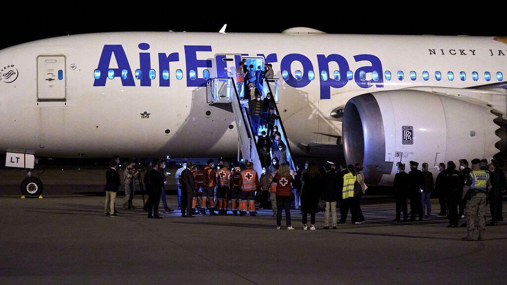 Aterriza en Torrejón el segundo vuelo con 160 refugiados afganos procedente de Pakistán