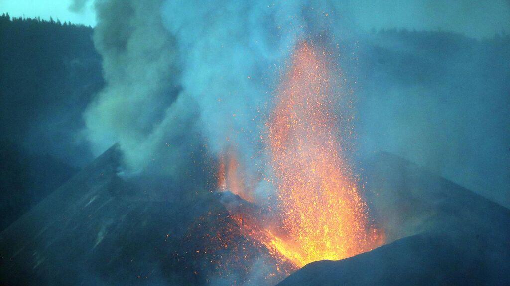 Los expertos no saben si el volcán está recargando magma o todavía expulsa el que hay en el reservorio