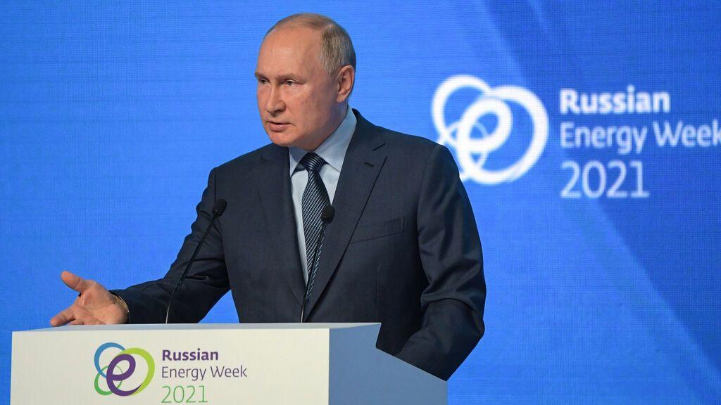 """Putin ofrece más gas a Europa  y niega que use la energía como """"arma"""""""