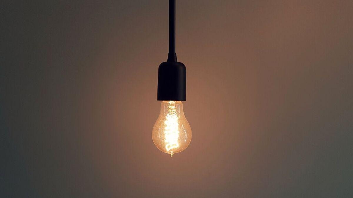 Bruselas anunciará hoy sus medidas energéticas frente al alza en el precio de la luz