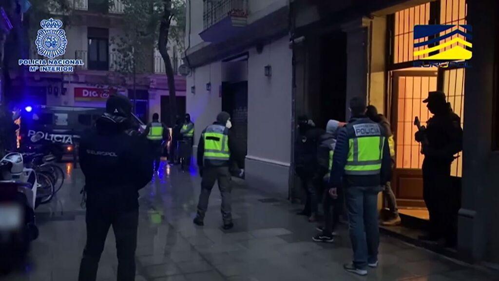 Detenidos cinco presuntos yihadistas en Barcelona y Madrid que estaban preparándose para cometer atentados