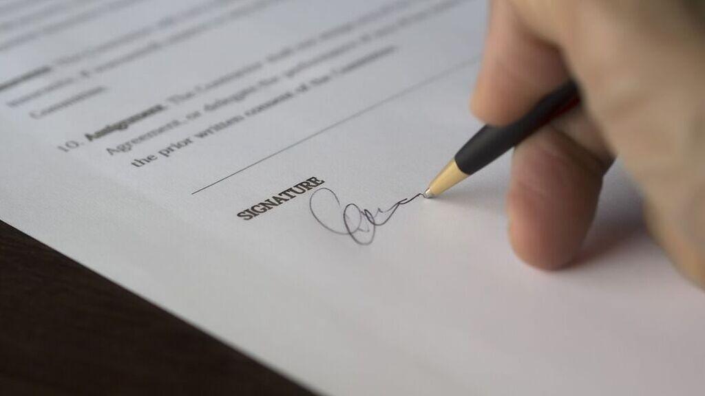"""El experto legal te dice cómo proceder en un despido: """"Nunca firmes una baja voluntaria porque te lo pida la empresa"""""""