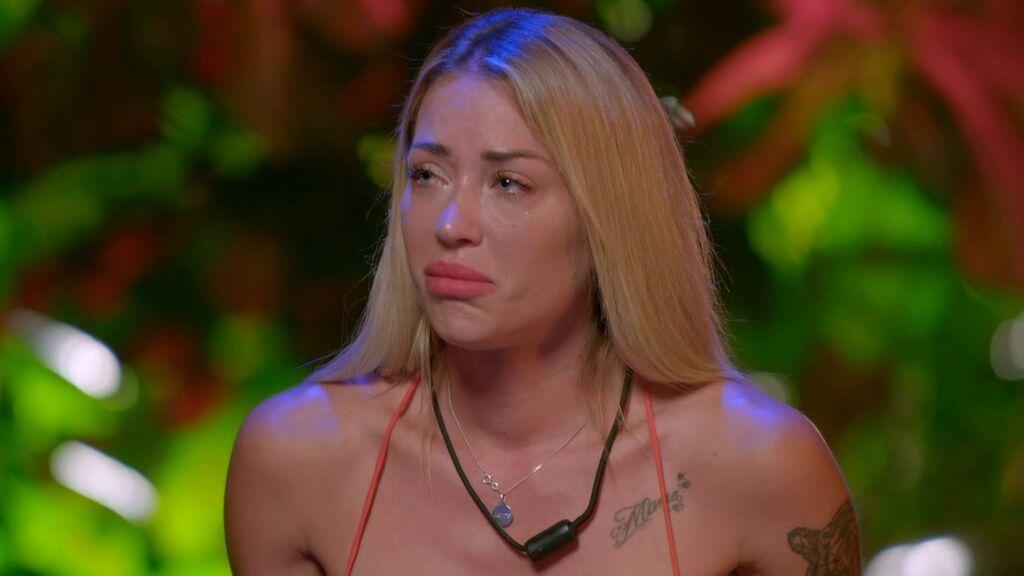 """La hoguera de Mayka: """"Por eso no avanzo con Alejandro"""""""