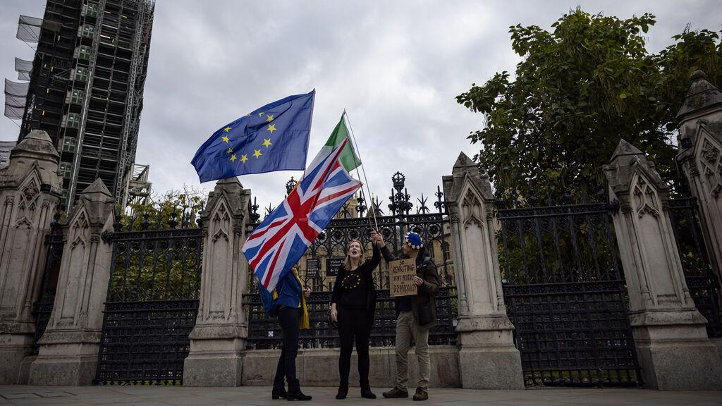 "Brexit: el viceprimer ministro irlandés sugiere que Reino Unido negoció ""de mala fe"""