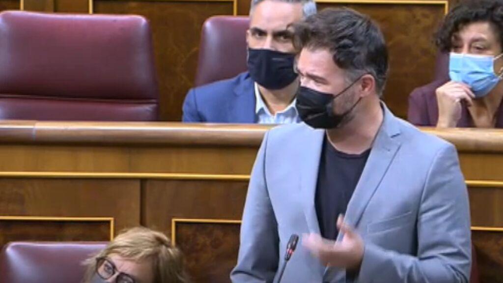 Rufián acusa a Robles de opacidad en los gastos en Defensa