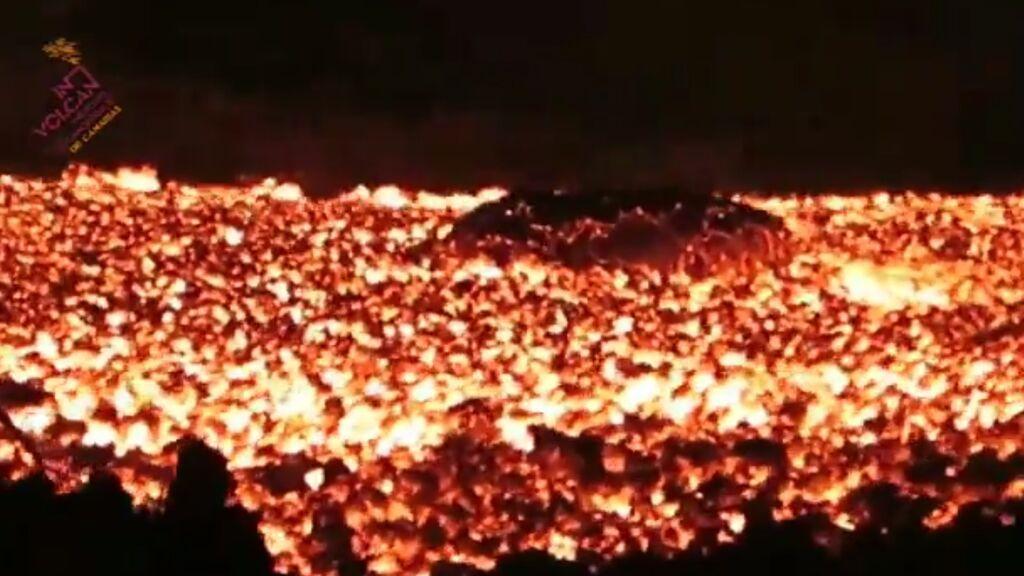 La lava del volcán de La Palma, muy de cerca