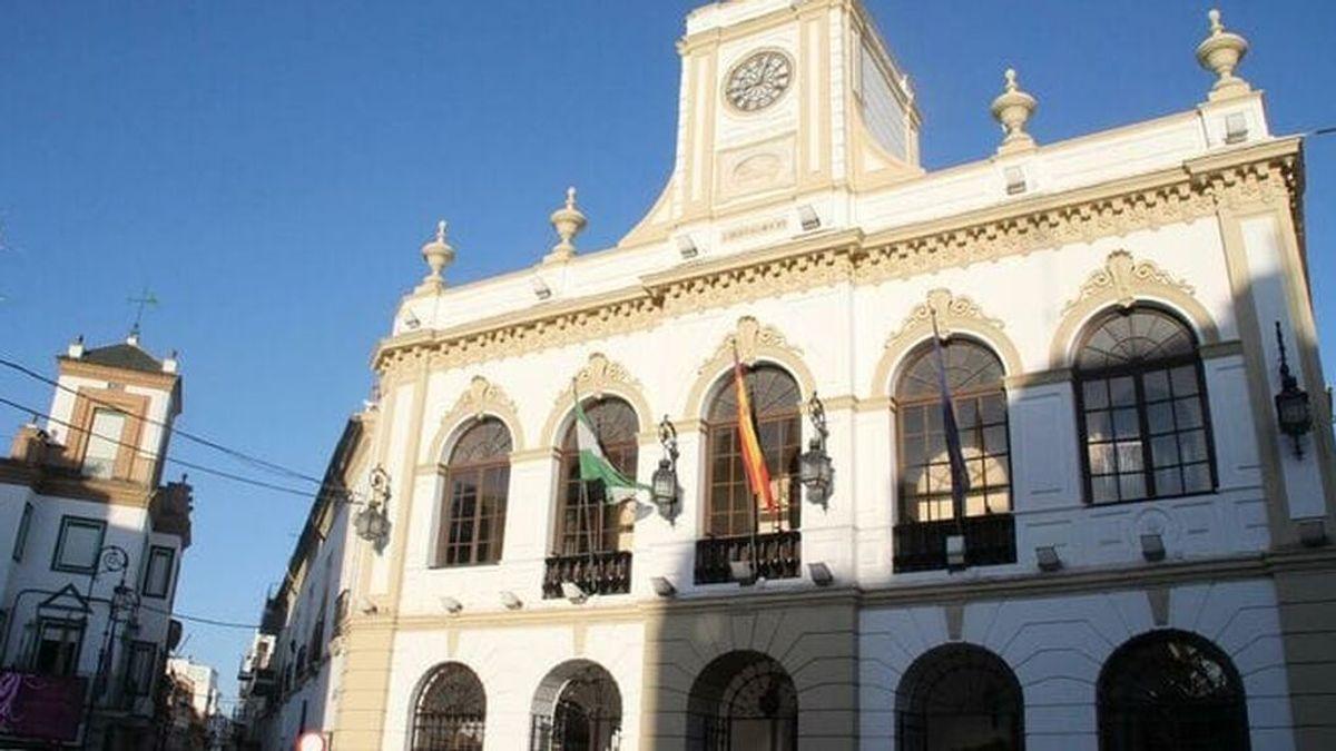El Ayuntamiento de Morón asegura que el menor desaparecido hace un mes y su madre se encontraba bien