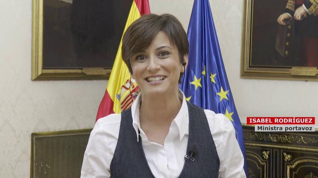 """Isabel Rodriguez, portavoz del Gobierno, intenta conciliar tras la tensión en el desfile: """"Valoramos mucho a la Comunidad de Madrid y a su presidenta"""""""
