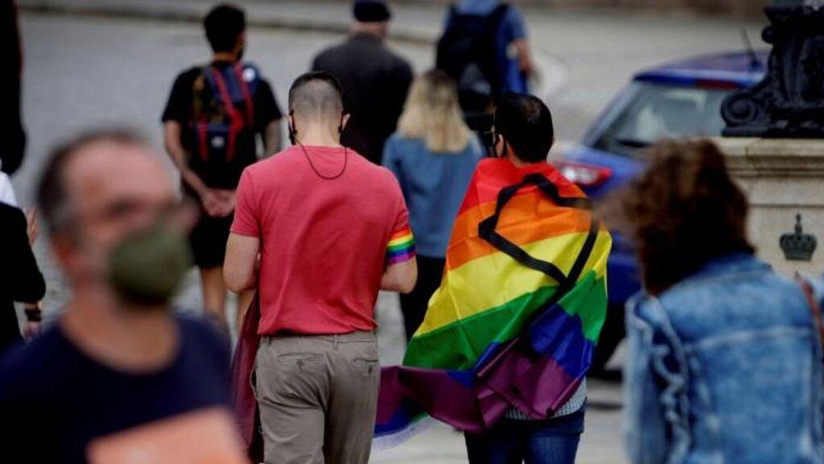 """Un hombre, condenado a 3 años de cárcel por hostigar a una pareja homosexual: """"Os voy a cortar el cuello"""""""