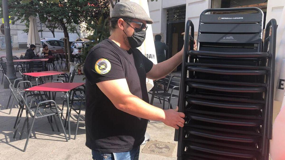 """Valencia pone fin a la ampliación de terrazas: """"los clientes tienen miedo y no quieren estar en el interior del bar"""""""