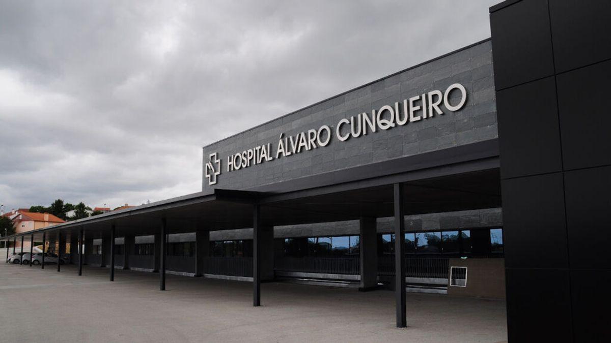 Piden más de 3.000 euros de multa para un joven que se hizo pasar por médico en el hospital de Vigo