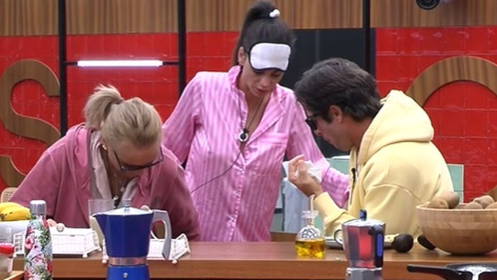 Cynthia, Canales y Lucía