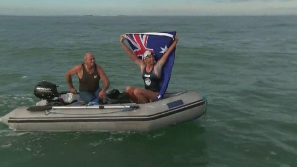 La nadadora Chloe McCardel establece un nuevo récord al atravesar por 44ª vez el Canal de la Mancha