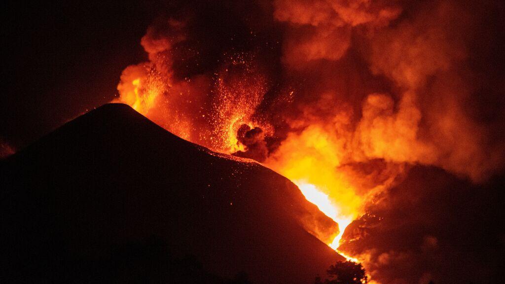 Las emisiones del volcán anuncian que seguirá activo bastante tiempo