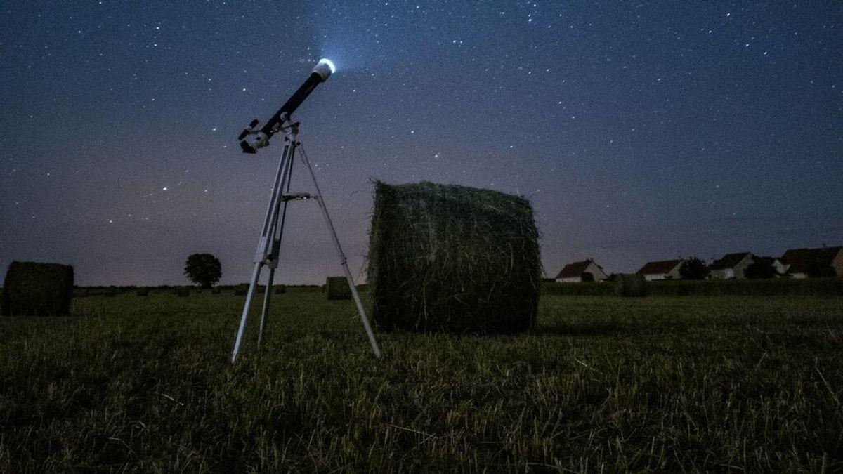 'Triángulo de otoño' la noche del jueves: cómo ver la conjunción de Júpiter, Saturno y la Luna