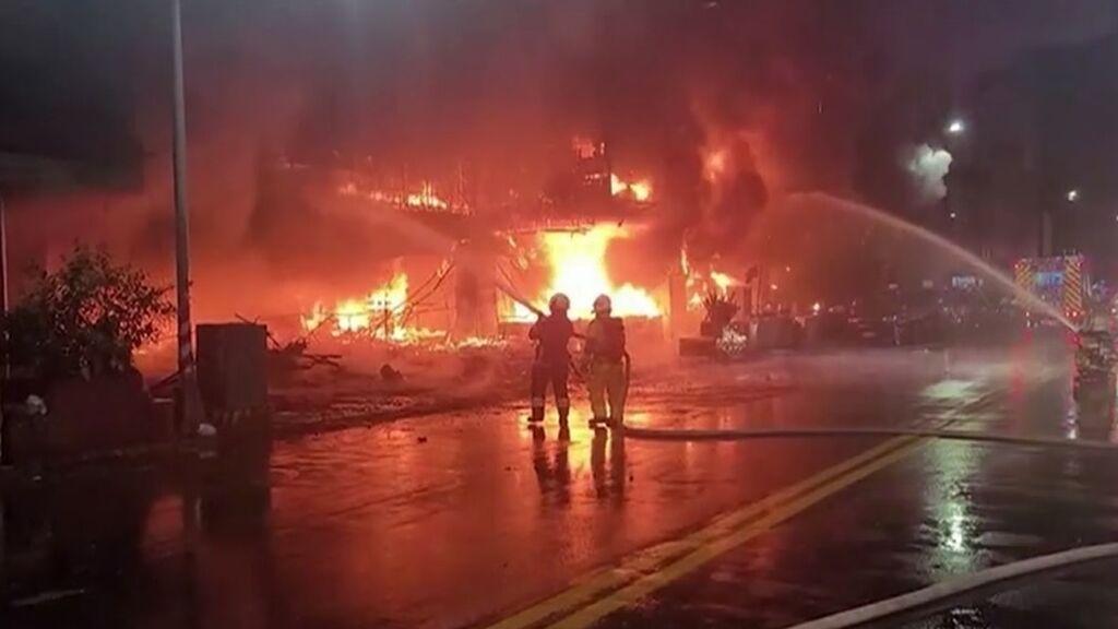 Casi medio centenar de muertos y 60 heridos en el incendio de un edificio en Taiwán