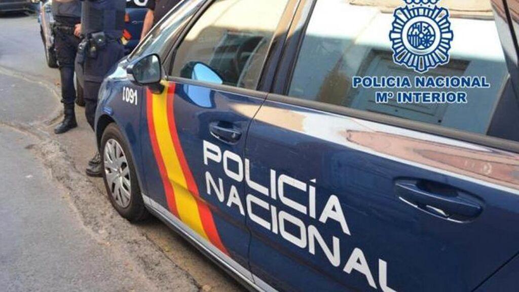 Detenido en Sevilla tras colarse en la casa de su ex pareja para  intentar matarla