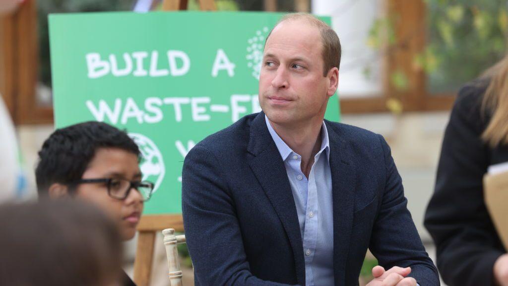 El príncipe Guillermo critica los vuelos espaciales de Jeff Bezos y pide mejorar la vida en la Tierra