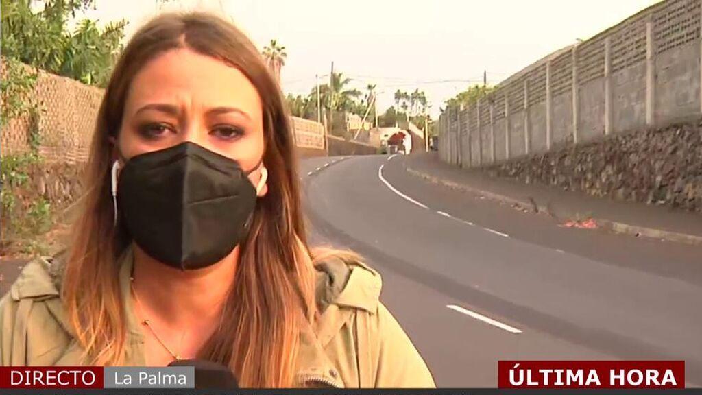 La reportera de 'Cuatro al día' se emociona recordando la solidaridad de los últimos vecinos desalojados de La Palma