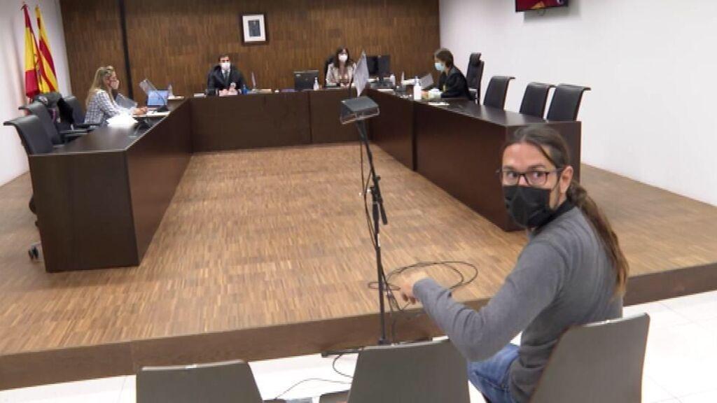 La Fiscalía retira la petición de prisión para el fotoperiodista Albert García pero mantiene la multa por resistencia