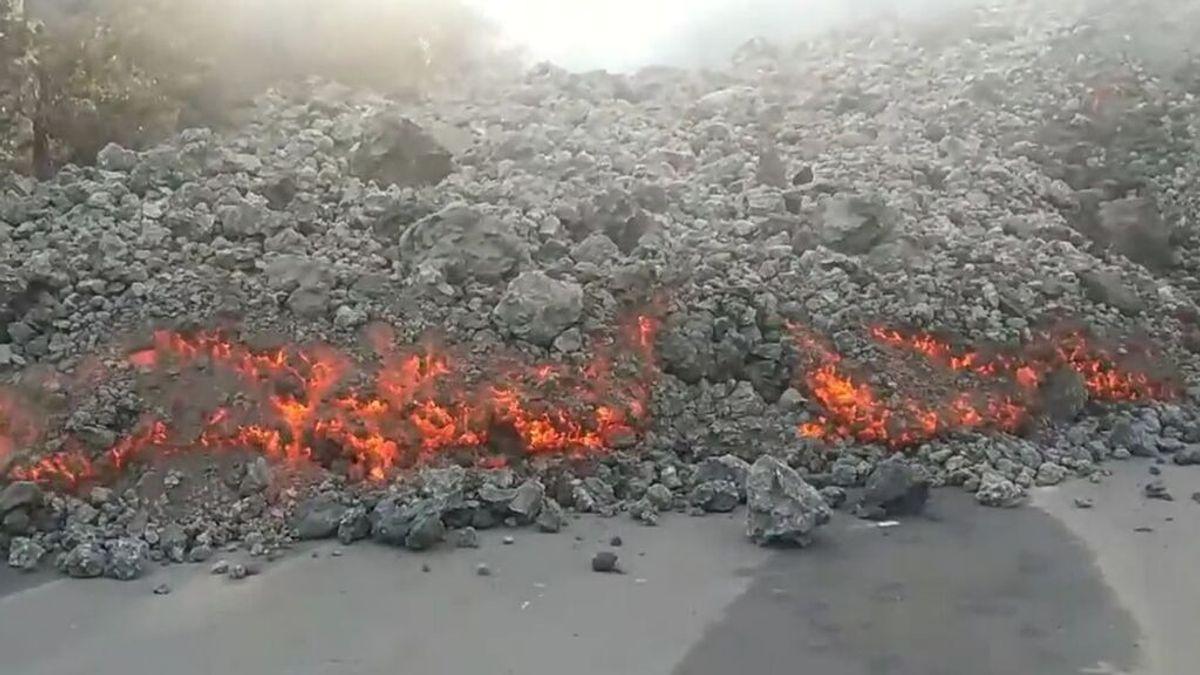 """La colada más activa se ralentiza en La Laguna """"al tragarse"""" varias construcciones"""