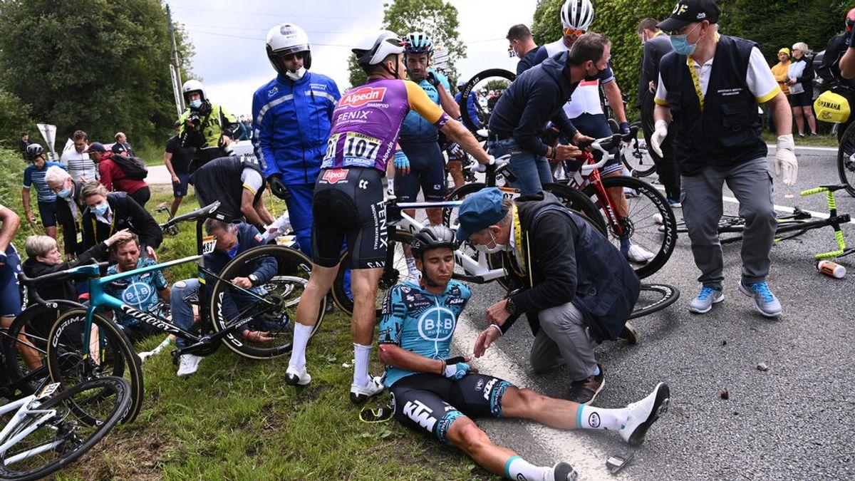 Cuatro meses de prisión para la espectadora del Tour de Francia 2021 que provocó una caída masiva de los ciclistas