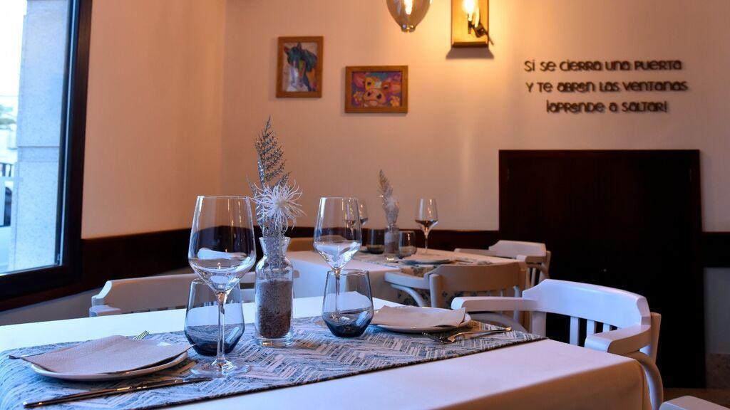 Almogrote, papas o frangallo: el menú solidario con La Palma de un restaurante de Gerena