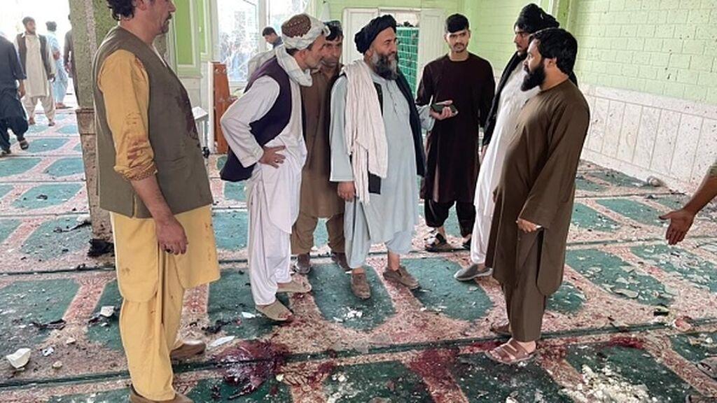 Una explosión en una mezquita de Afganistán causa al menos 30 muertos