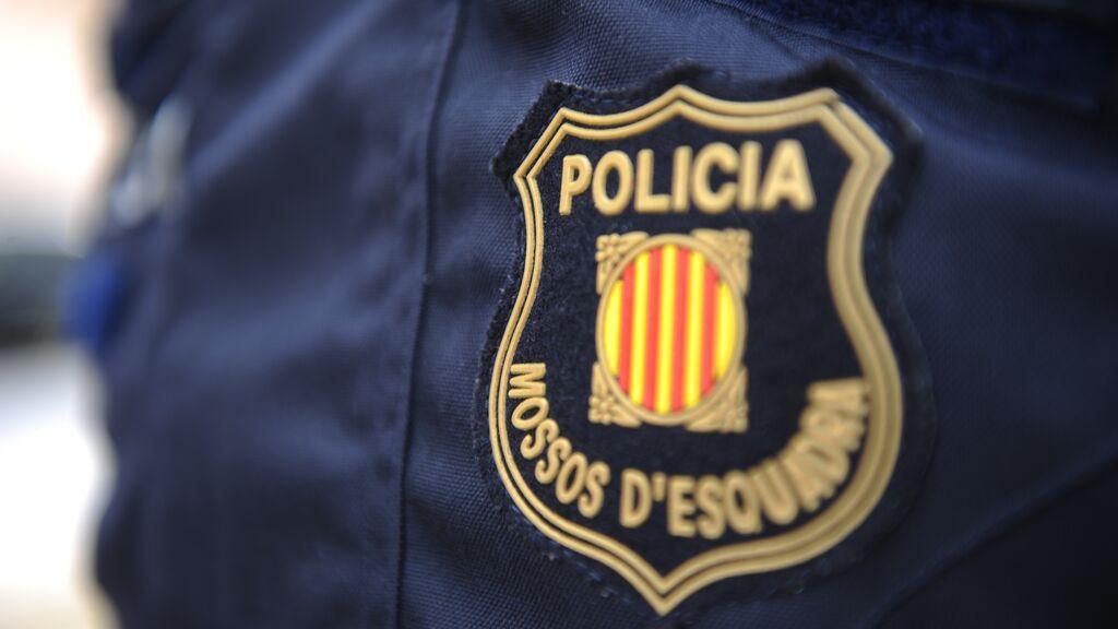 Interior aparta a los cuatro mossos d'esquadra detenidos hasta que el juez resuelva