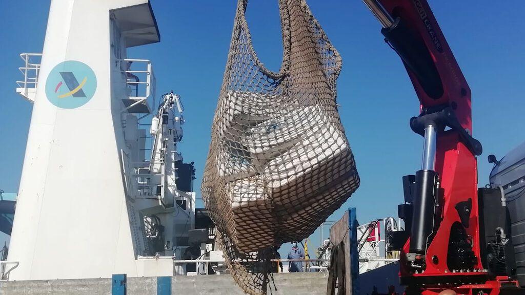 Llega a Vigo un velero interceptado en el Atlántico con 2.800 kilos de cocaína a bordo