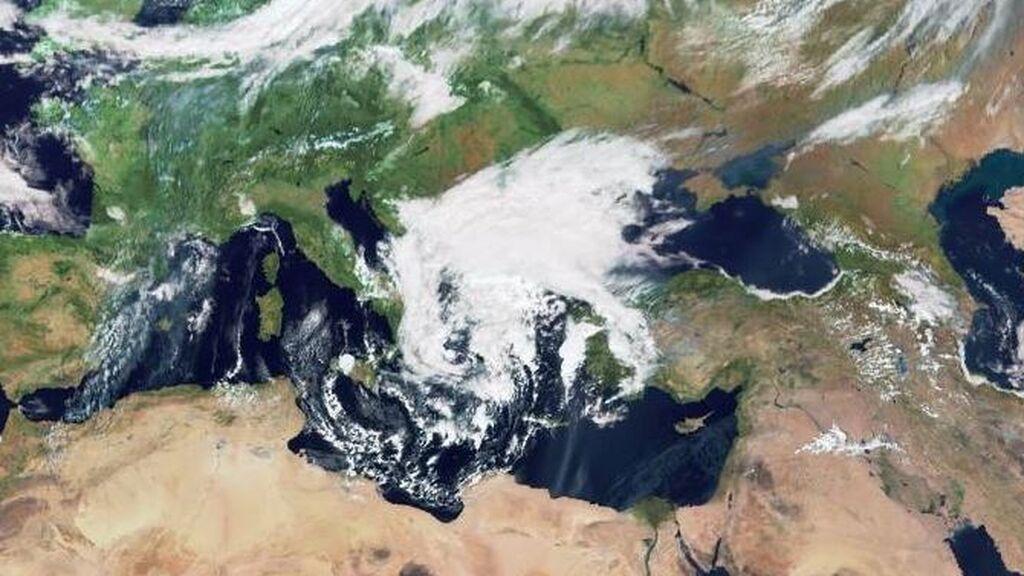 La tormenta severa Ballos pone en alerta roja a Grecia y amenaza con inundaciones