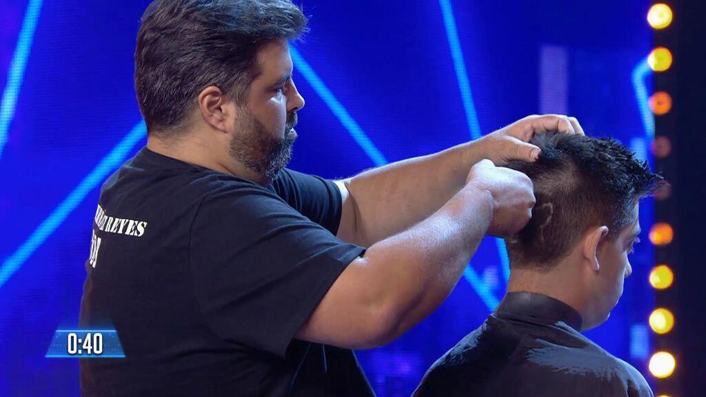 Lo que hace este peluquero es puro arte