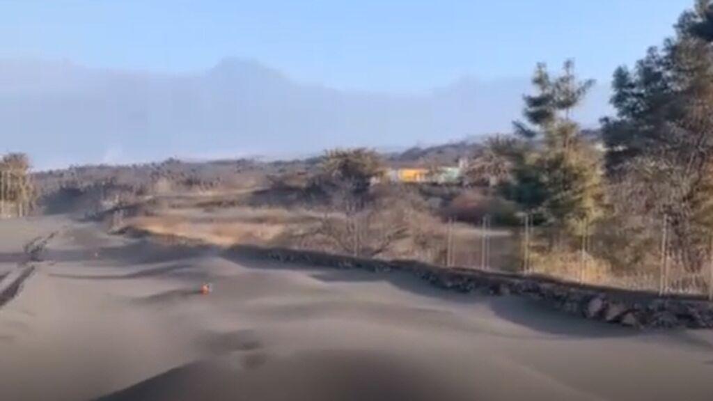La batalla perdida contra montañas de ceniza el La Palma