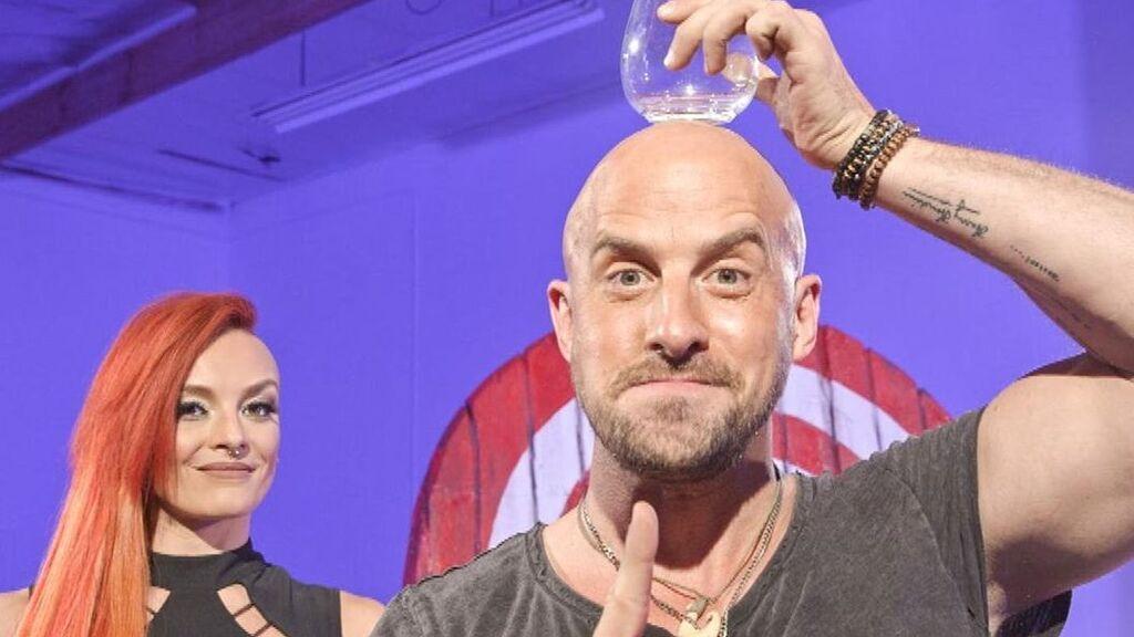 La estrella de America's Got Talent Jonathan Goodwin estuvo a punto de morir en un fallido truco