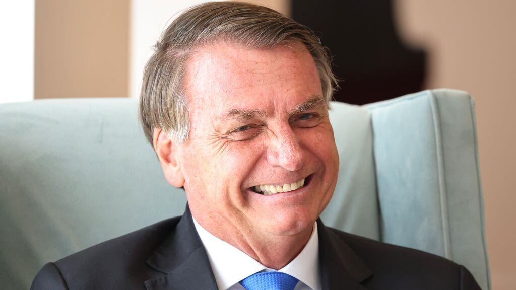 """Bolsonaro asegura que """"llora solo"""" en el baño para que no le vea su mujer porque ella cree que es """"un macho"""""""
