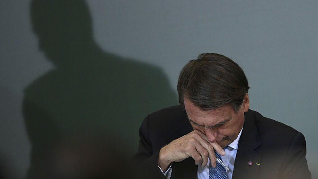 """Bolsonaro asegura que """"llora solo"""" en el baño de su casa sin que se entere su esposa"""
